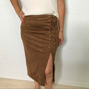 NEW YORK & CO. Brown faux suede lace up skirt Sz.0